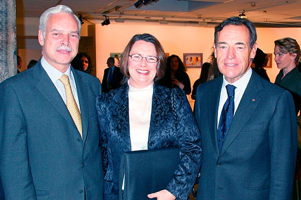 Marcio Barbosa, Elizabeth Longworth and Lindsay Owen-Jones, President of L'Oréal Group in UNESCO.