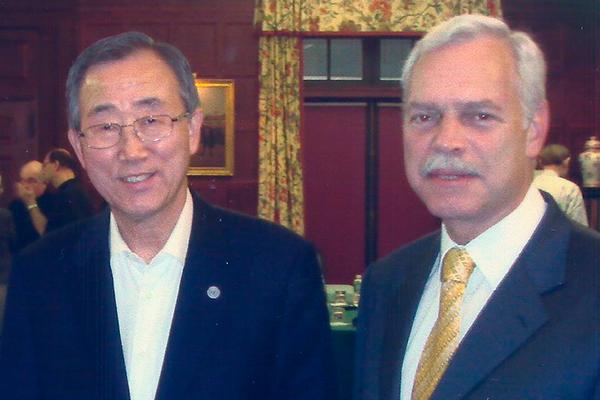 Marcio Barbosa with Ban Ki-moon, UN.