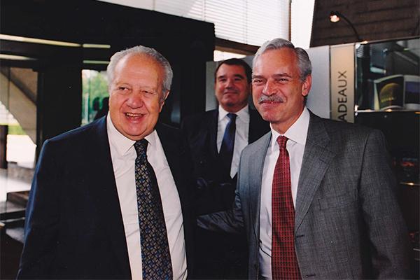 Marcio Barbosa and Mário Soares at UNESCO.